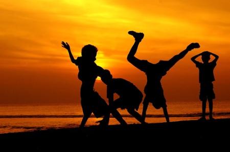 sunset-w-kids-dancing