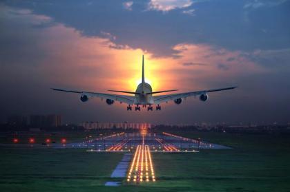 Non-Descript-Plane_shutterstock_135659987_800x